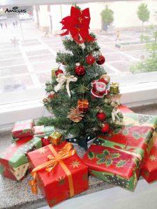 Vánoční dárky ve škole.