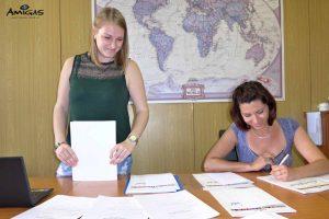 Podepsiování vystavených certifikátů pro studenty.