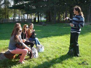 Venkovní výuka konverzace s rodilým mluvčím